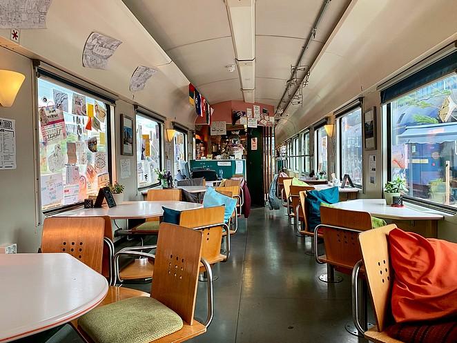 restauratiewagon-train-lodge