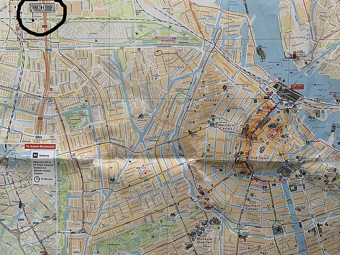 train-lodge-amsterdam-map