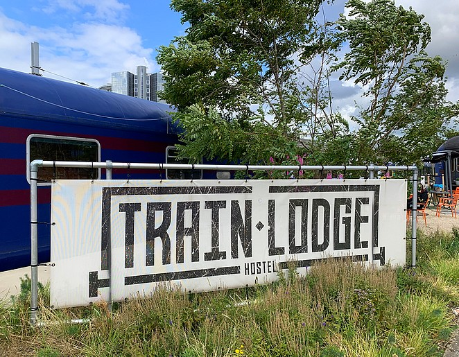 train-lodge-review