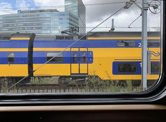 trein hotel-amsterdam-sloterdijk