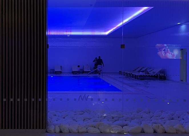 hotel met binnen-zwembad-algarve