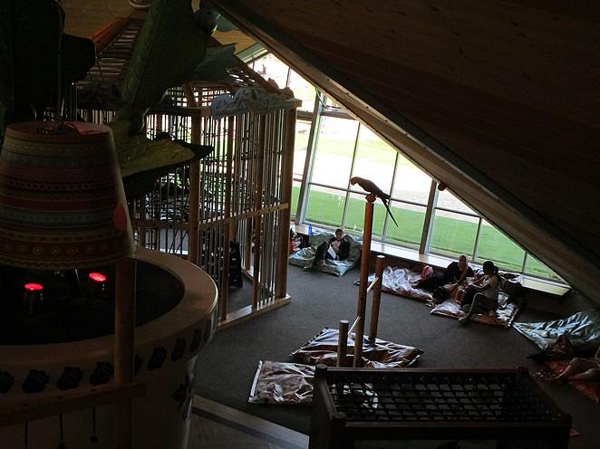 rustige-binnenspeeltuin-voor-kleine-kinderen