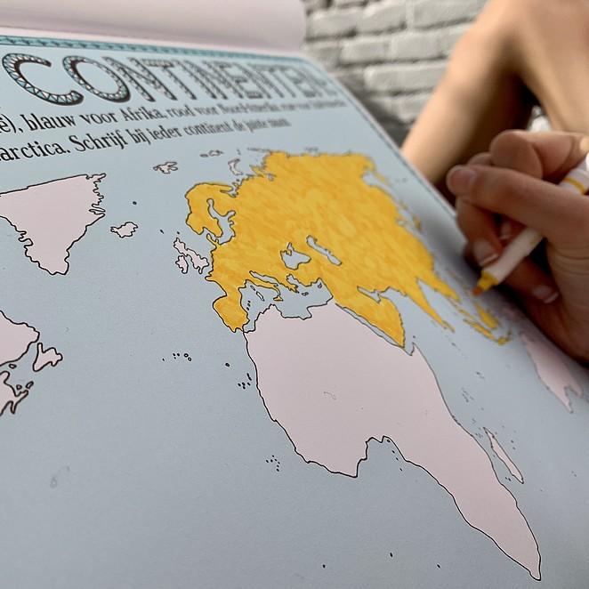 Tekenatlas: leuke tekenopdrachten in leerzaam kleurboek over vreemde culturen