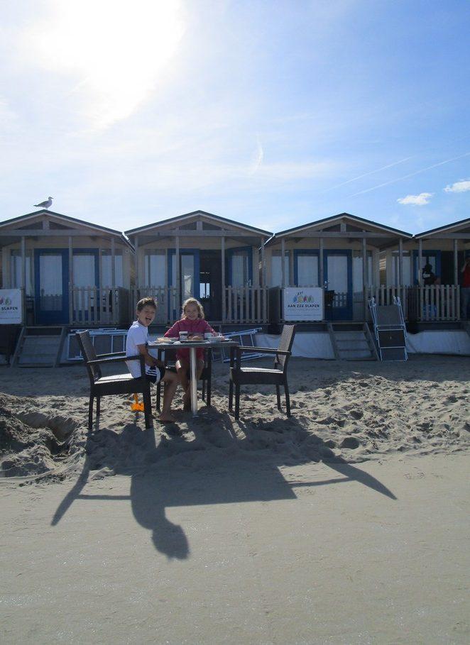 ontbijten-op-het-strand
