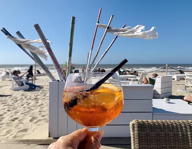 drankje-op-het-strand