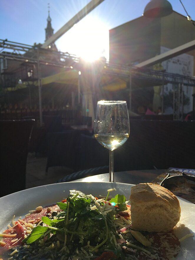 restaurant-met-tuin-centrum-den-haag
