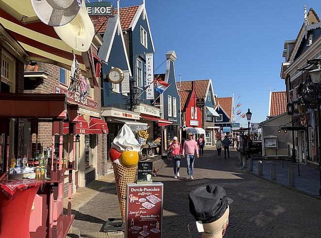 winkelstraat-volendam