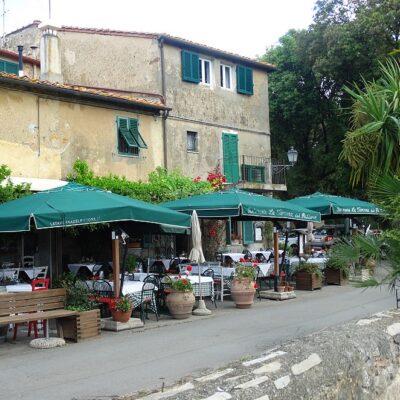 Wijndorp Bolgheri in Toscane: bezienswaardigheden, hotels en tips in Bolgheri en omgeving