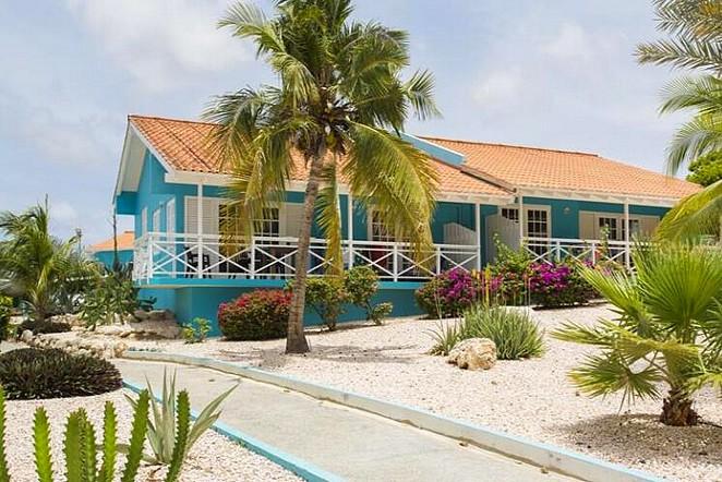seaside-bungalow-curacao
