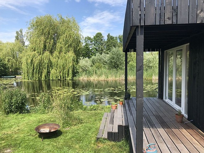 huisje-aan-het-water