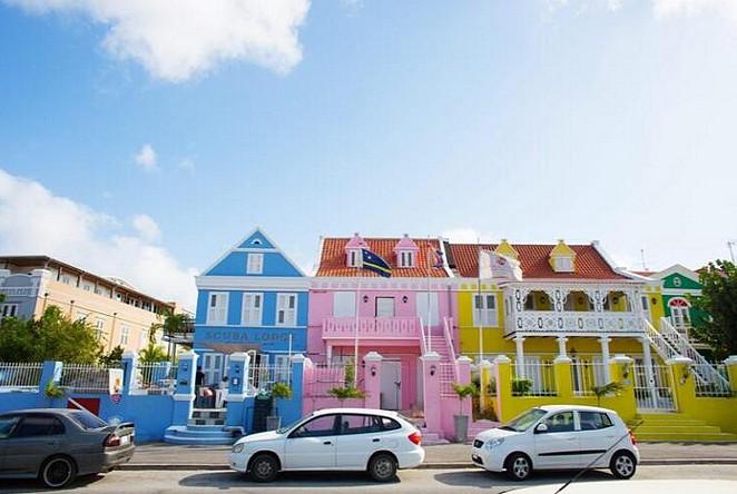 curacao-gekleurde-huizen