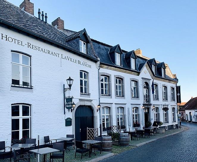 hotel-restaurant-la-ville-blanche