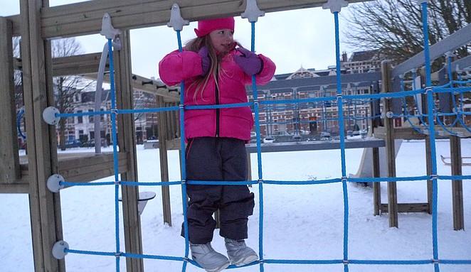speeltuin-sneeuw