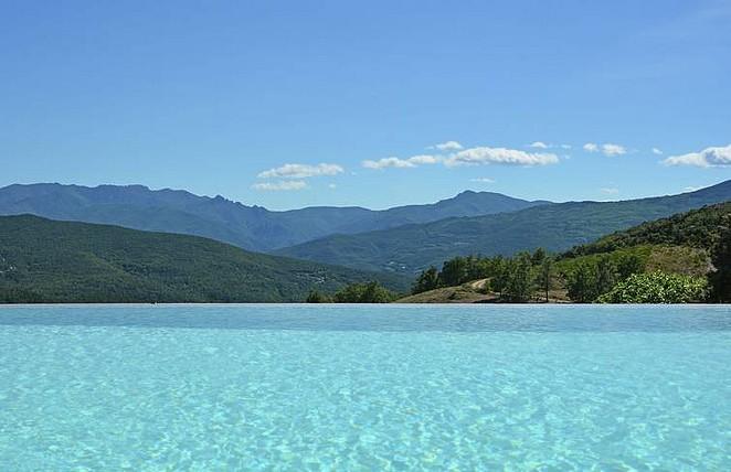 huis-met-zwembad-natuur-zuid-frankrijk